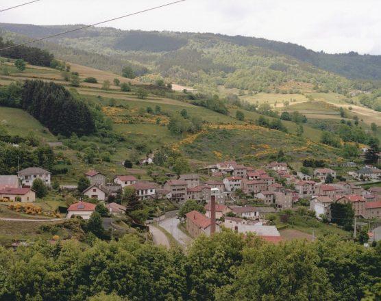 Vue sur le village de Saint-Sauveur-en-Rue - Point d'observation N° 27