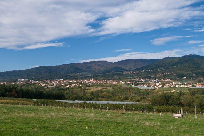 Maclas, Le Bourg