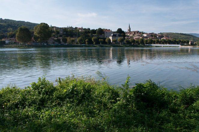 Saint-Pierre-de-Boeuf, Le Bourg, Berge du Rhone